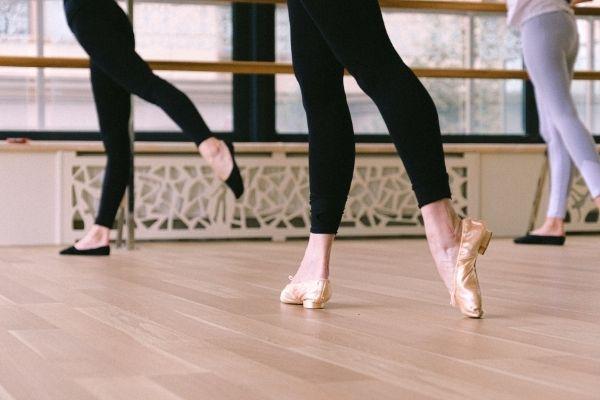 かが屋の賀屋(かや)が26歳からバレエを始めたきっかけは?教室はどこ!?-6