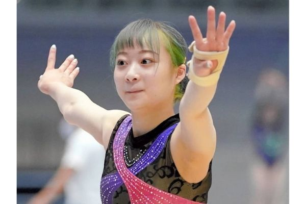 平岩優奈,髪色,緑