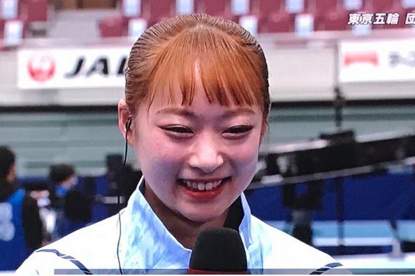 平岩優奈,髪色,オレンジ