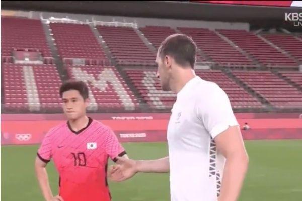 韓国サッカー選手の握手拒否